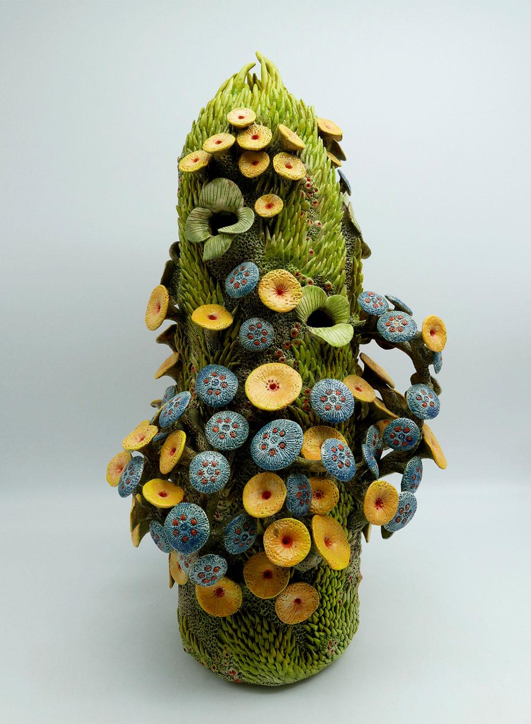 Muriel Persil, Forme végétale, faïence, 2018. 52H X 26Lcm.